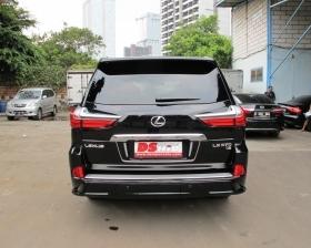 Facelift Lexus LX 570 Sport Model
