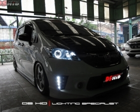 DS Projector AFS + DS HID 6000K + Angel Eyes